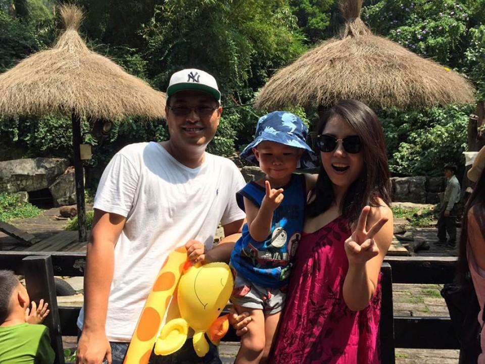 Family-photo3_thumb.jpg